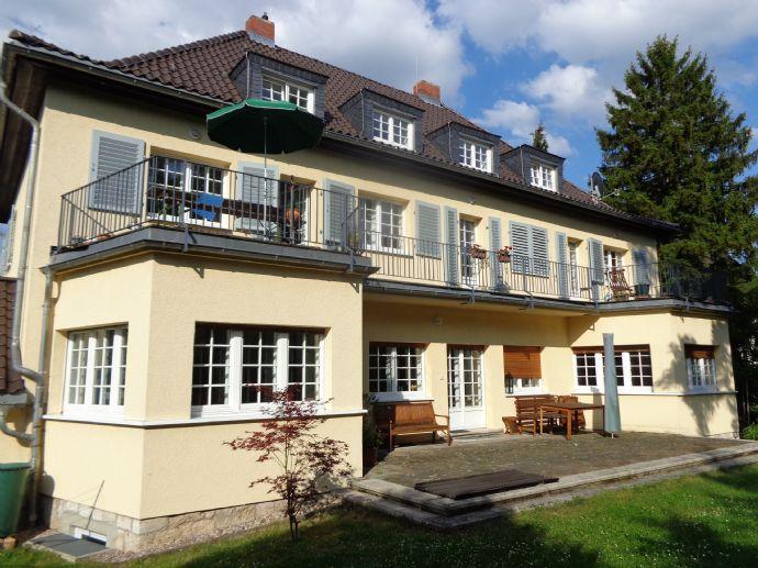 Sonnige 4-Raum-Wohnung in guter Südstadtlage mit großem Balkon