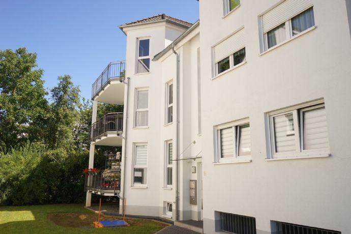 Schweich - Exklusive Maisonette Wohnung mit EBK, Tiefgaragenstellplatz und Balkon