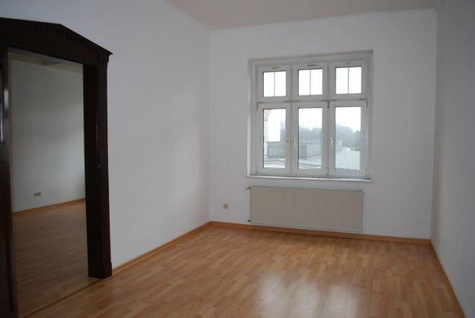 Hübsche 3-R-Wohnung mit Balkon u. Tageslichtbad