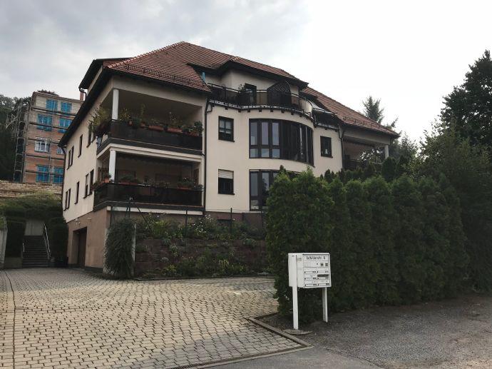 Schicke Eigentumswohnung im Dachgeschoß mit Blick auf Dresden