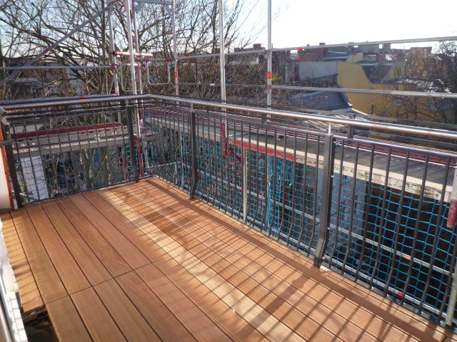 Visit: auf Anfrage - traumhafte 4 Zi. DG Wohnung, große Wohnküche, 2 Terrassen, 2 Bäder, EBK, Gasetagen-Hzg, Altbau Friedenau