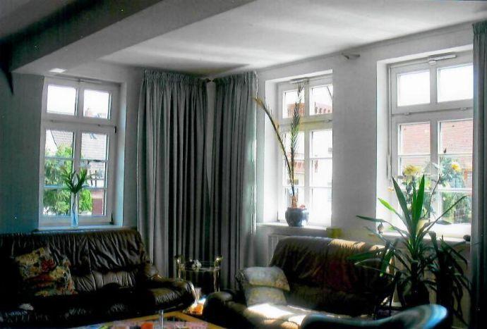 Gepflegtes Fachwerkwohnhaus mit gehobener Ausstattung und viel Raum sowie mit kleinem Garten und Stellplätzen in Philippsthal-Heimboldshausen