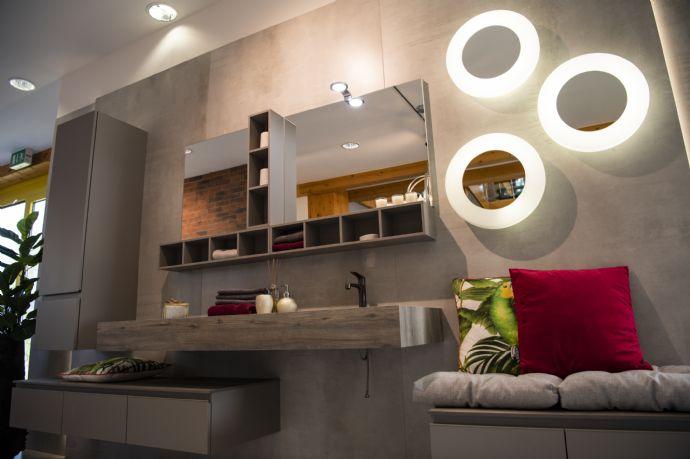 Nur noch zwei Häuser verfügbar! EINZUGSFERTIG, in KFW 40 Standard, reichlich Ausbaureserve in schöner Lage von Gräfenberg