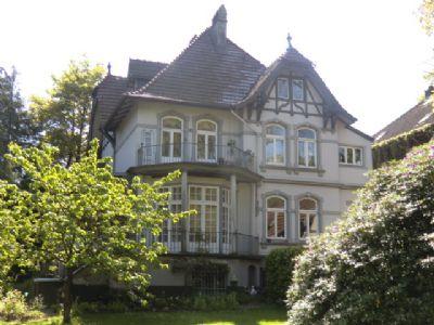 historische villa im landhausstil im zentrum von neum nster villa neum nster 2fzmr45. Black Bedroom Furniture Sets. Home Design Ideas