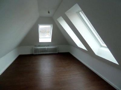 Zugangvom Wohnzimmer - evtl.als  Büro .....