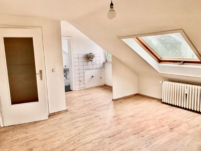 Gemütliche 2 Zimmer Dachgeschosswohnung im Dellviertel