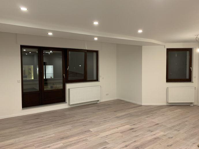 Zu Vermieten - sanierte 2-Zimmer-Terrassenwohnung in Bensberg - Einziehen und Wohlfühlen!