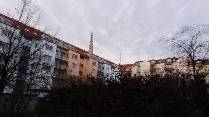 Sanierte 2-Zimmer-DG-Wohnung mit Balkon und EBK in Leipzig