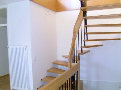 Bild 9 Treppe zum 1. OG.