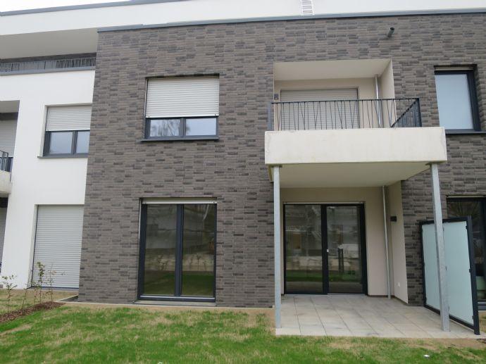 Bunter Garten: 2-Zimmer-Wohnung mit Garten