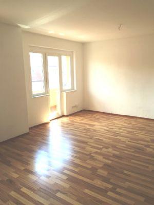 wohnen vom feinsten gem tliche 2 raum dachgeschoss wohnung zum wohlf hlen mit balkon wohnung. Black Bedroom Furniture Sets. Home Design Ideas
