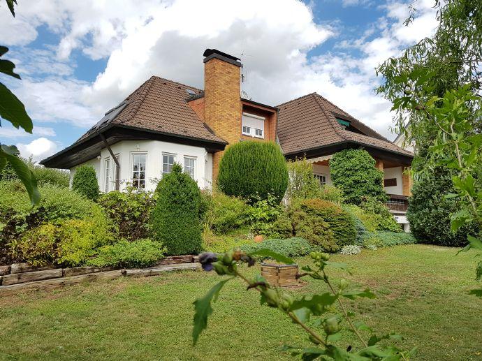traumhaftes Einfamilienhaus im Landhausstil auf großzügigen sonnigen Grundstück in Hirschaid - OT Seigendorf zu verkaufen