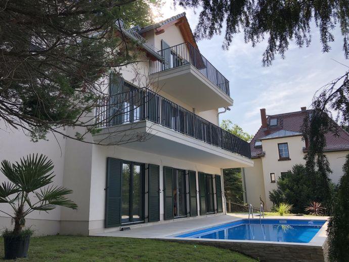 bezugsfertige Villa mit Blick über Radebeul mit Pool, klimatisiert, Erdwärme....