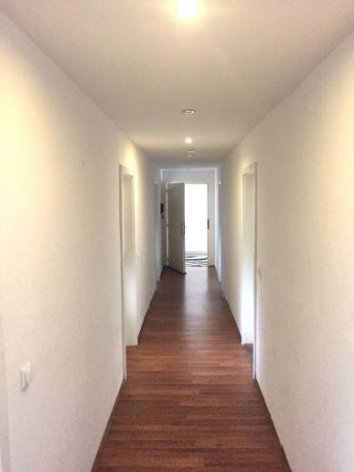 Gemütliche 5-Zimmer-Maisonette-Wohnung im Dachgeschoss mit EBK in Schwerin