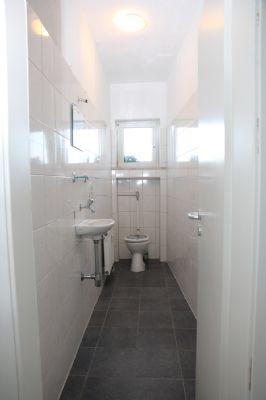 provisionsfrei 3 zimmer wohnung in zweiter seereihe mit balkon etagenwohnung friedrichshafen. Black Bedroom Furniture Sets. Home Design Ideas