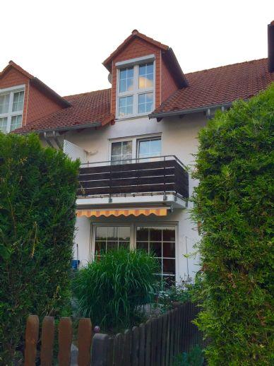 Top-Lage 5-Zimmer RMH mit Sauna und kl. Garten in Frankfurt-Bergen-Enkheim (Ortsteil Enkheim) Nähe Schwimmbad zu verkaufen