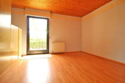Schlafzimmer mit Terrassenzugang - EG