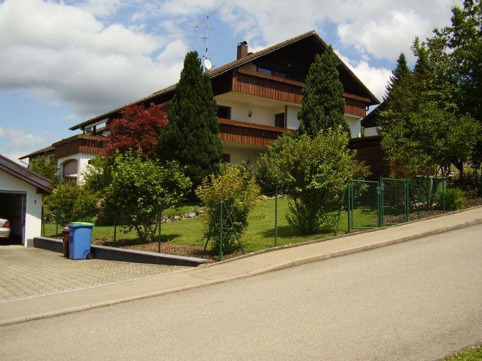 Großes und variables Mehrfamilienhaus mit Aussicht auf Salem