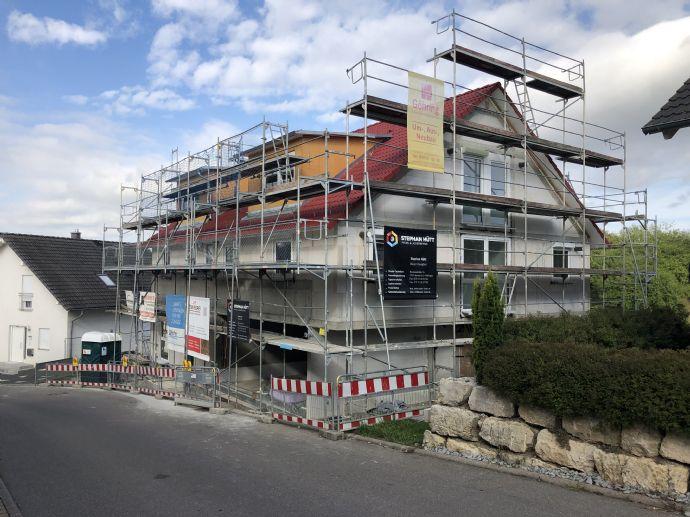 Erstbezug 4-Zimmer-Dachgeschosswohnung in Ammerbuch mit EBK, Balkon und Stellplatz