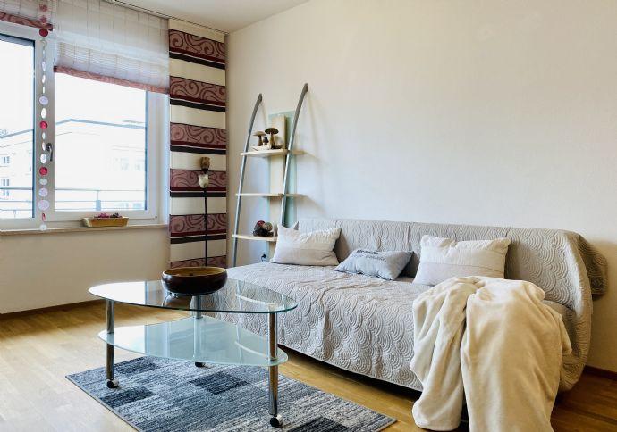 Helle,  modern möblierte 2-Zi-Wohnung in guter Lage