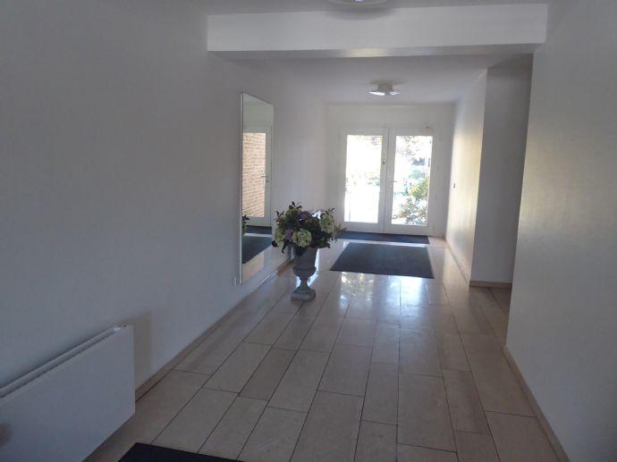 D-Golzheim/Nähe Aquazoo ! Schöne, sehr ruhig gelegene 1-Zimmer-Wohnung, Einbauküche, Parkett, tei