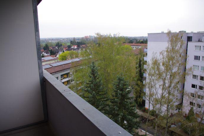 Helle 1-Zimmer-Wohnung mit Balkon und toller Aussicht