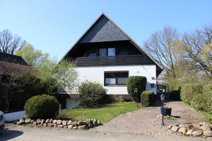 VON PRIVAT Wohnen in seiner schönsten Form - Terrasse - 4 Zimmer - 3 Bäder - 4 Stellplätze -Garten