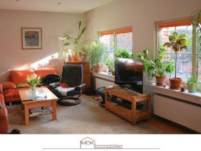einfamilienhaus mit ger umiger garage und gro em garten nahe naturschutzgebiet villeseen. Black Bedroom Furniture Sets. Home Design Ideas