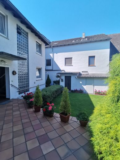 4-Zimmer-Wohnung mit Terrasse und EBK zu vermieten
