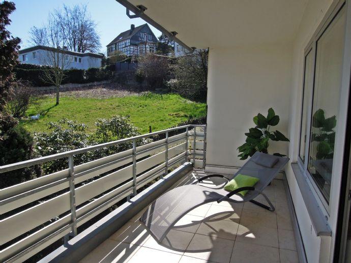 BIK: IHRE EIGENEN VIER WÄNDE! Renovierte 3-Zi-Maisonette-Wohnung mit drei Loggien!