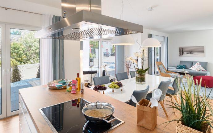 Modernes Mehrfamilienhaus mit Einliegerwohnung und