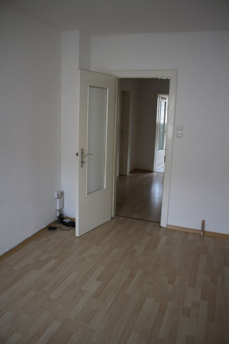 helle 3-Zimmer-Wohnung mit Balkon / gute Anbindung + zentrumsnah