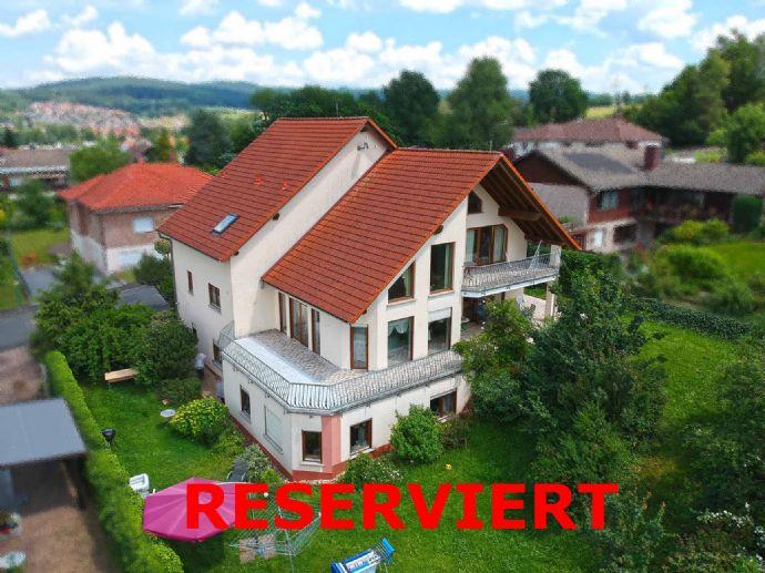 Wunderschönes, großes Eigenheim sucht glückliche Familie