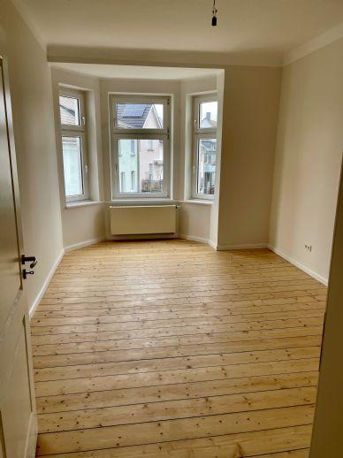 Stadtzentrale sanierte 3 Zimmer Wohnung am Loher Wäldchen zu vermieten !