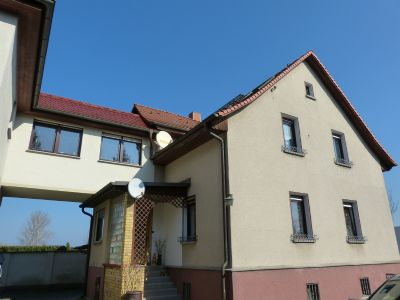 Haus mit Übergang zum Anbau