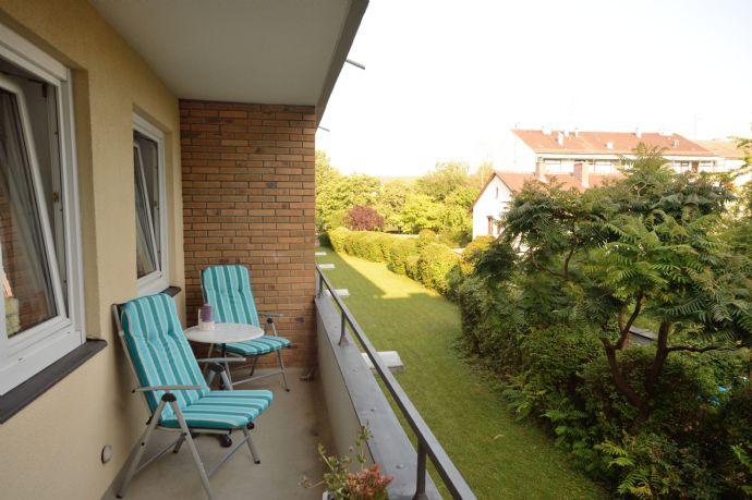 Sehr schön möbliertes Apartment mit Südbalkon, U-Bahn Nähe, ruhig und modern