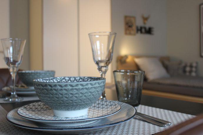 Ab FEBRUAR frei: Saniert u. Möbliert, Apartments in Kiel