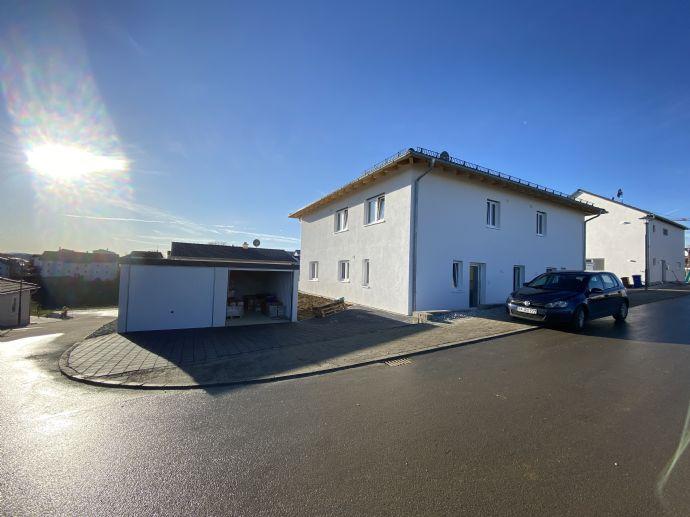 Erstbezug! 4 Zimmer auf 117 m² Wfl. in Thyrnau, Doppelhaushälfte