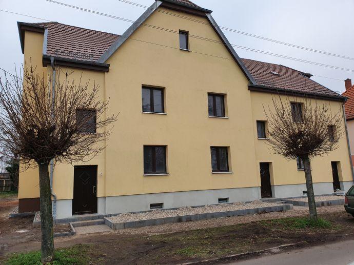 Großzügiges Reihenhaus mit 3 Zimmern, mit Terasse und Balkon in Wolfsfelde