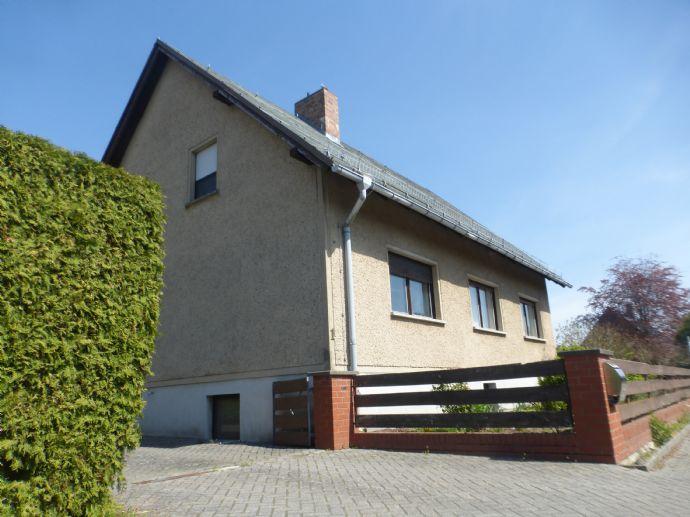 Komfortables Einfamilienhaus mit über 3000m² Grundstück, ausgebautem Vollkeller, Werkstatt und Garage direkt in Putlitz