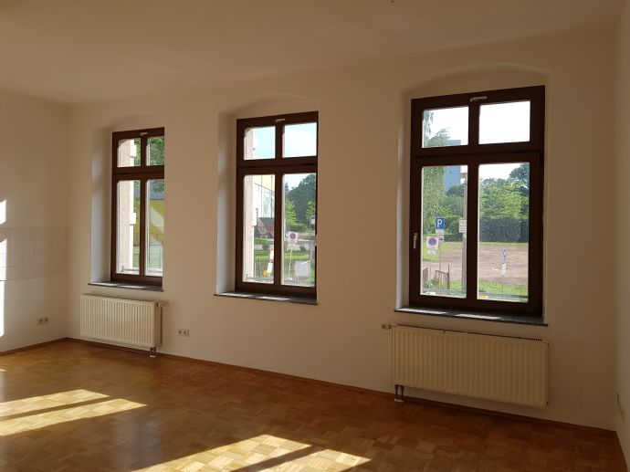 Zentrum!!! Tolle 2-Raum-Wohnung direkt am Schlossteich mit Balkon und Parkett!!
