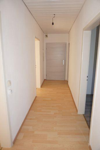 Schöne 3 Zimmer- Erdgeschosswohnung in