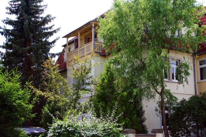 4,5-Zimmer-DG-Wohnung mit Balkon!