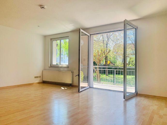 Tiergartensiedlung - freie 4 Zi.-Wohnung in kleiner Wohnanlage mit Gäste-WC, s/w-Balkon, Wannen-/Duschbad mit Fenster, sehr ruhig - saniert...