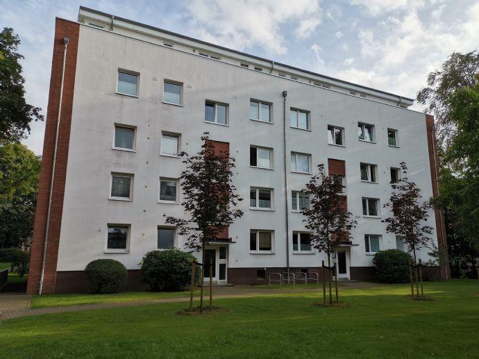 Helle, gut geschnittene, WG-geeignete Wohnung in Hamburg Marienthal