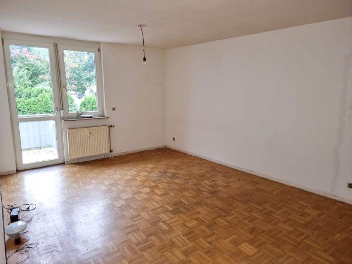 Neu Renovierte Wohnung mit Balkon in Mettingen, Esslingen