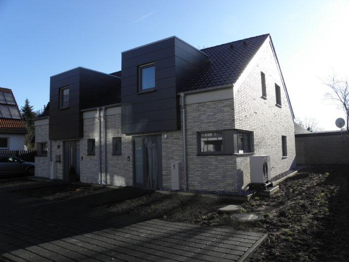 Moderne Neubau-/Doppelhaushälfte in Gütersloh-Friedrichsdorf