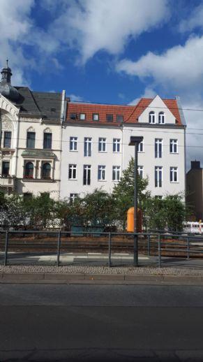 2-Zimmer-Dachgeschosswohnung 90 m² mit SW-Balkon