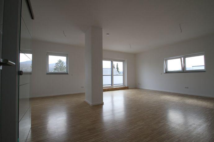 Großzügige 3-Zimmer-Wohnung im Neubaustandard mit riesiger Dachterrasse und Ausblick auf den Ölbe