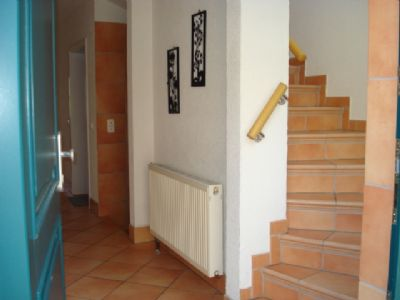 Hauseingang, Flur, Treppe zum OG